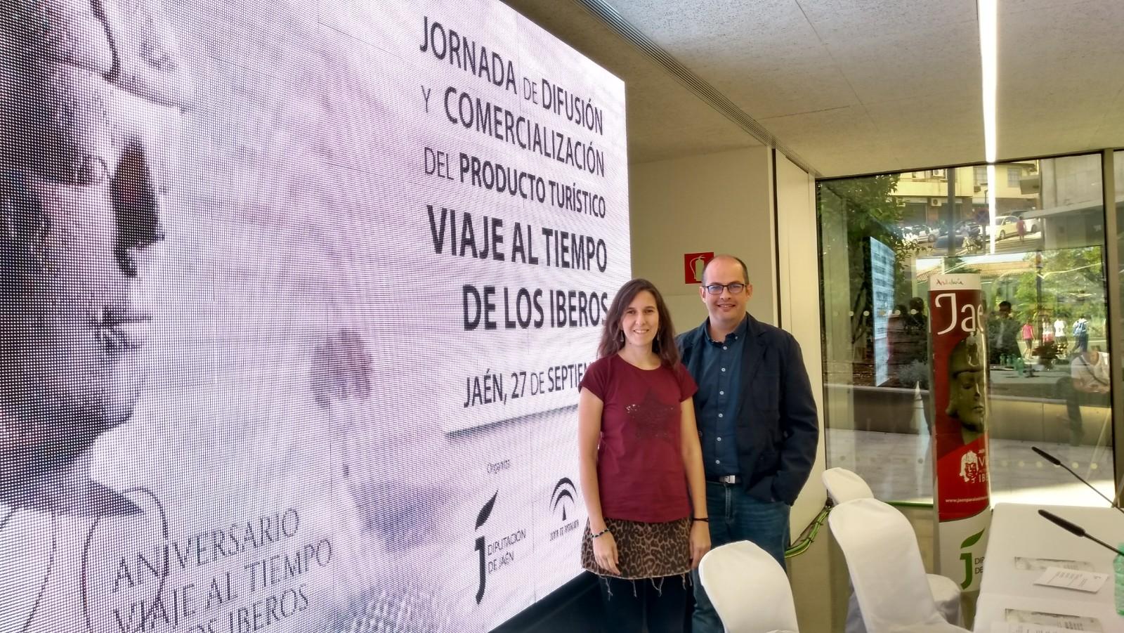 Laura Benito y José Manuel Illán en la jornada de difusión del producto turístico Viaje al tiempo de los Íberos