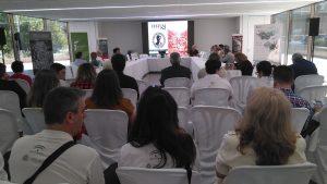 Ignacio Muñiz, director del Ecomuseo del Río Caicena (Almedinilla) hablando de la celebración del Festum. Foto: Jansá.
